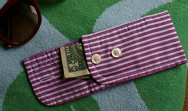 Men\'s shirt cuff pouch