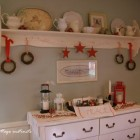Nice red and white Christmas vignette