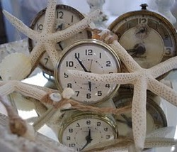 Starfish and clocks look good together