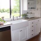A dream of a kitchen. Sigh, big sigh.