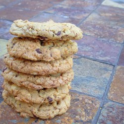 I was looking for this recipe! Chocolate Chip Oatmeal Cookies @HopeStudios1:
