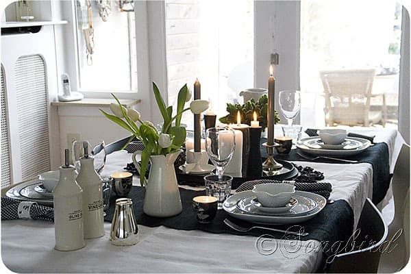 table decoration in black and white