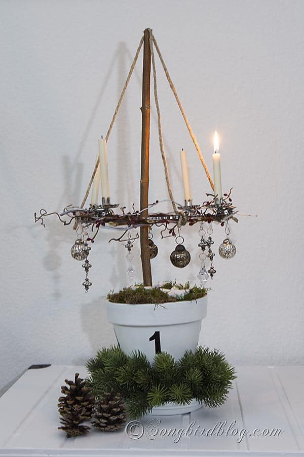 Start your Christmas decorations and make this four candle Advent wreath that floats in the air. Instructions at : http://www.songbirdblog.com
