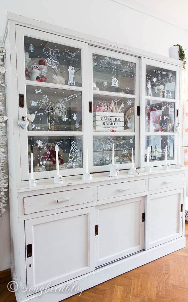 Removable Christmas windows decorations made with a chalk pen
