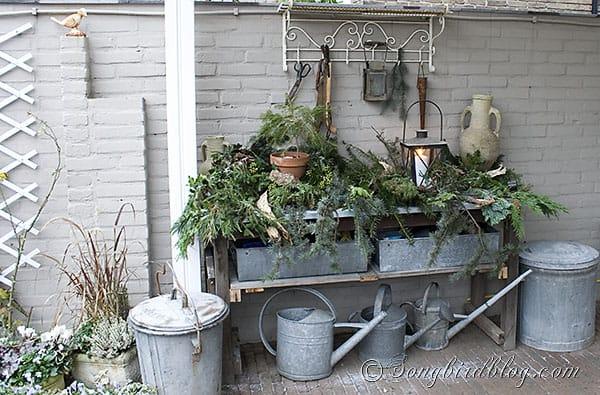 garden table decor Christmas greens, centerpiece, pine cone wreath (15)