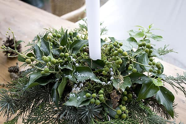 garden table decor Christmas greens, centerpiece, pine cone wreath (6)