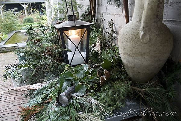garden table decor Christmas greens, centerpiece, pine cone wreath (4)