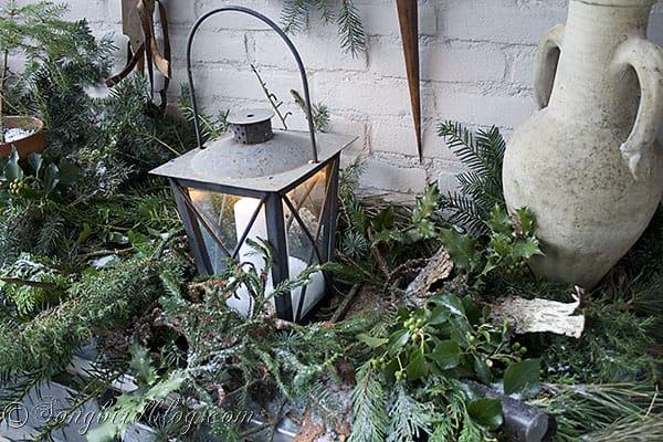 garden table decor Christmas greens, centerpiece, pine cone wreath (10)