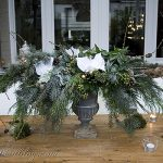 garden table decor Christmas greens, centerpiece, pine cone wreath (9)