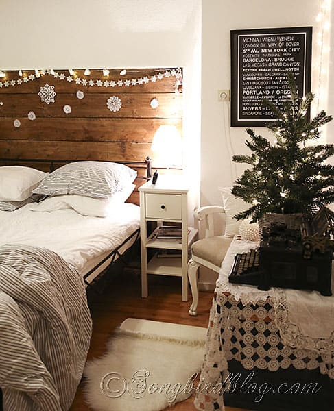 decorate your bedroom for christmas 5 - How To Decorate Your Bedroom For Christmas
