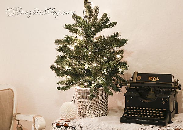 decorate your bedroom for Christmas (3)