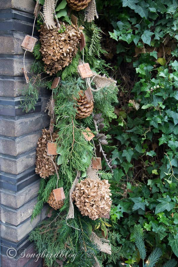 christmas front door decorations homemade natural swag - Christmas Swag Decorations