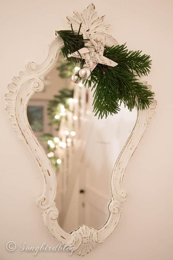 Christmas staircase garland-3