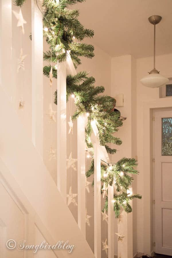 Christmas staircase garland-4