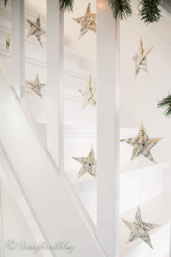 Christmas staircase garland-6