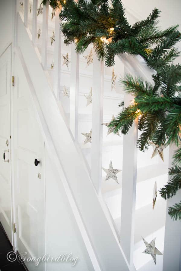 Christmas staircase garland-7