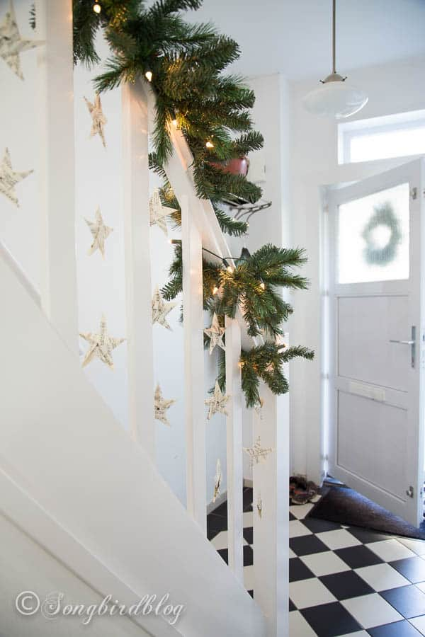 Christmas staircase garland-8