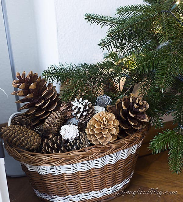 Nordic, Scandinavian Christmas tree with all white ornaments, like handmade crochet snowflakes and wooden stars. Via http://www.songbirdblog.com