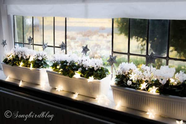 window sill decorations for christmas songbird. Black Bedroom Furniture Sets. Home Design Ideas