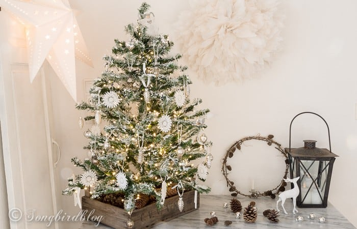 DIY flocked Christmas tree-2