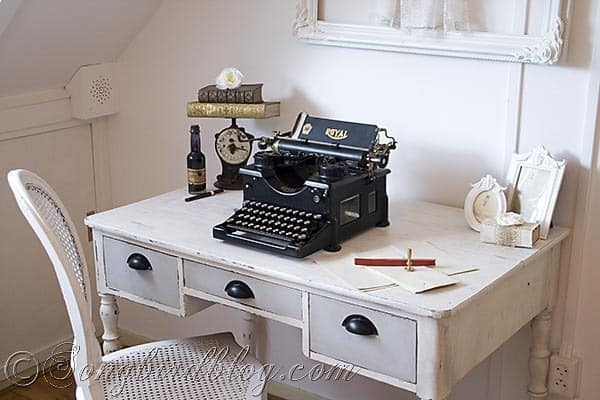 chalk paint desk makeover before and after via http://www.songbirdblog.com