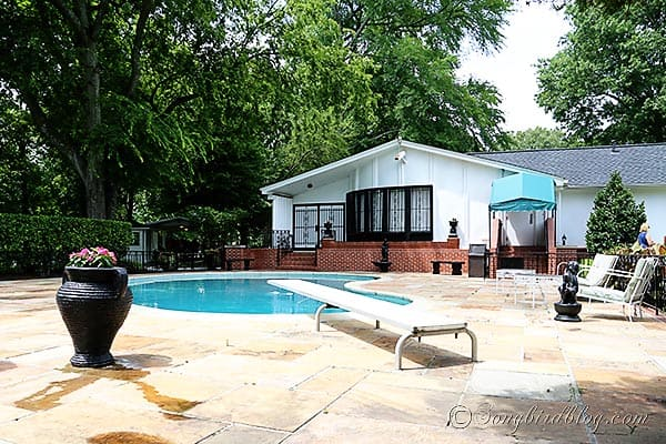 Elvis Presley swimming pool