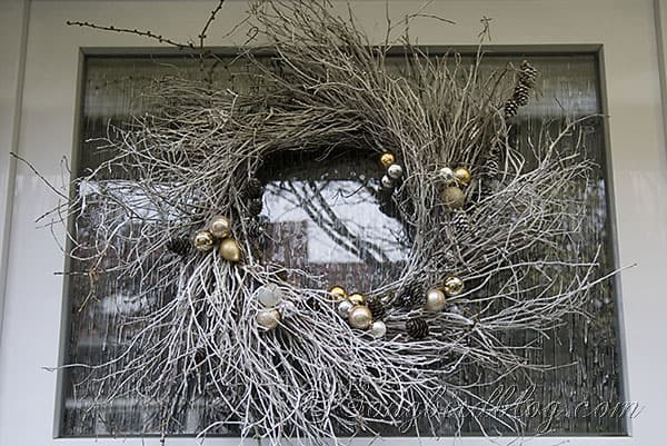 wreath, entrance, outdoors, decor,Christmas (1)