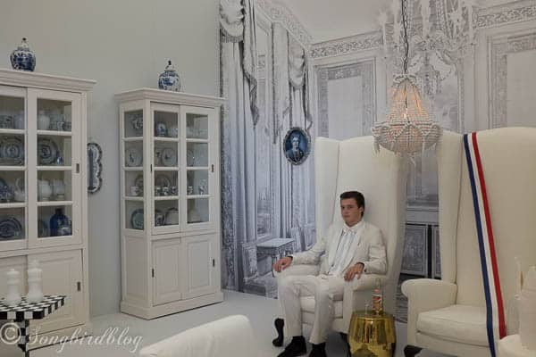 """design trend: trompe l'oeil wallpaper. Lets all live like royalty and turn our homes into palaces. Image captured at the """"Woonbeurs Amsterdam"""" a residential living event"""