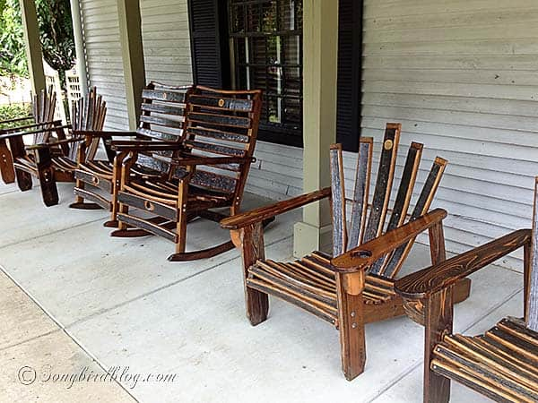 Jack_Daniels_distillery_oak_barrel_furniture