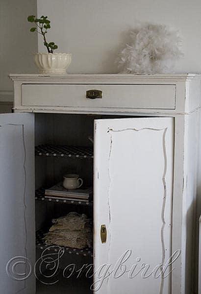 Maid's Closet White 3