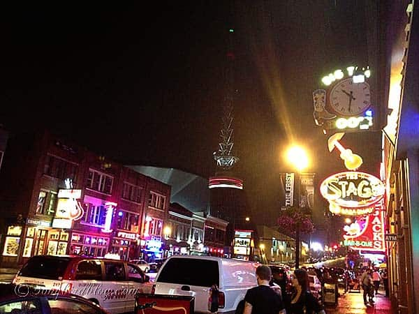 Nashville_at_night