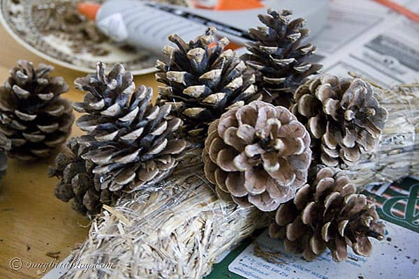 Pine Cone Wreath DIY hot glue