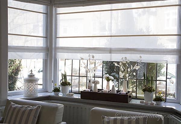 title | Bay Window Ledge Decoration