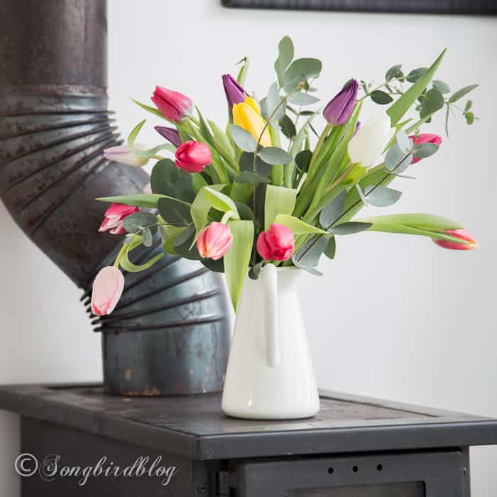 Decorating with tulips: multi colored tulips bouquet