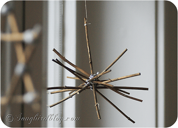 how to make stars and candle sticks for Christmas with twigs and natural elements (6)