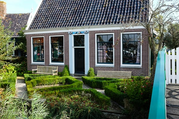 Visit Zaanse Schans Dutch traditional homes and windmills