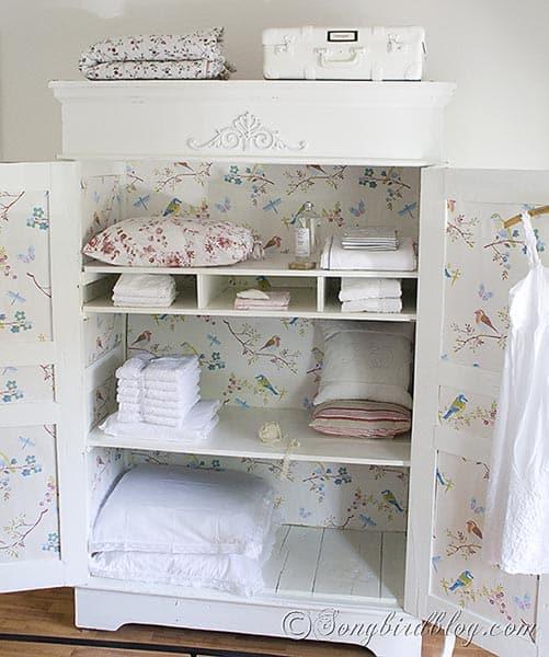 Wardrobe Makeover linen closet songbird blog