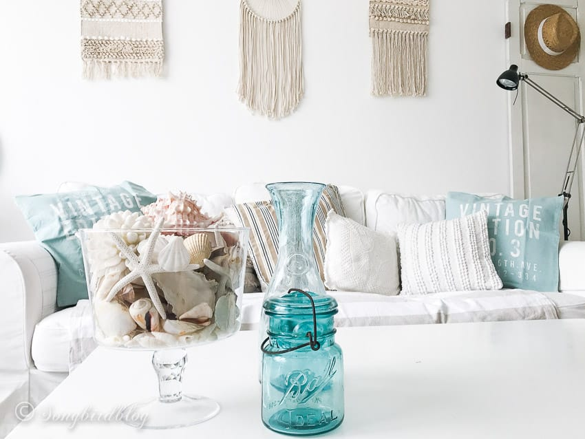 beachy farmhouse decor idea