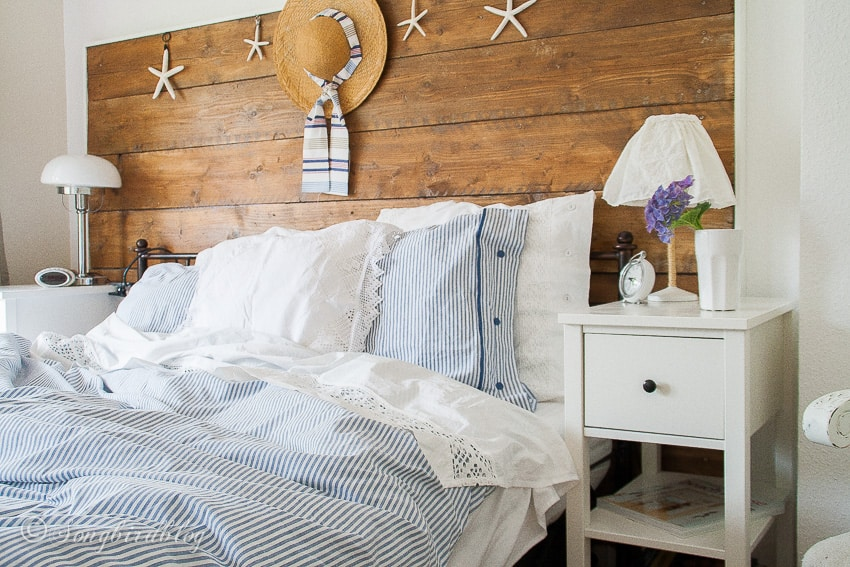 summer bedroom in blue and white with beach theme