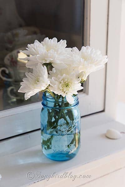blue_mason_jar_flowers_decorating 8 copy