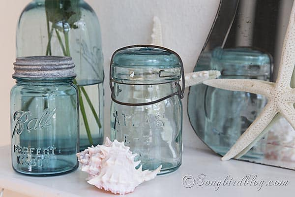 blue_mason_jars_beach_decorating