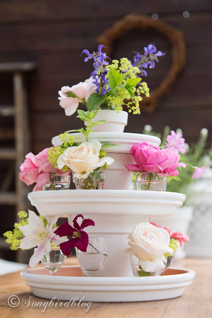 easy summer centerpiece garden table with flower decoration