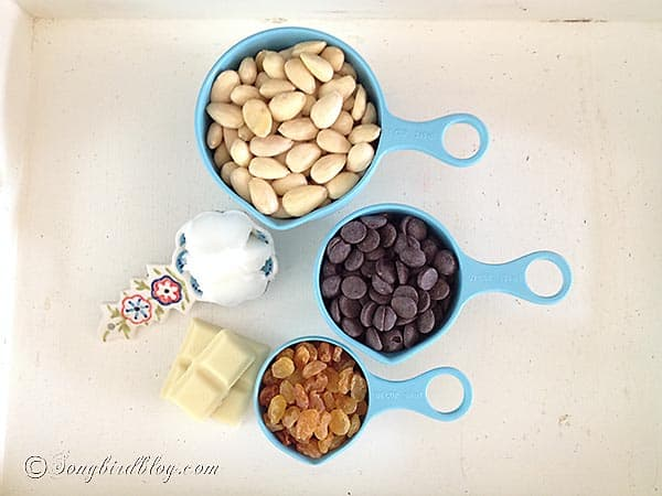 chocolate almond bites ingredients recipe