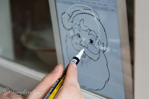decorating Christmas windows with the help of an Ipad