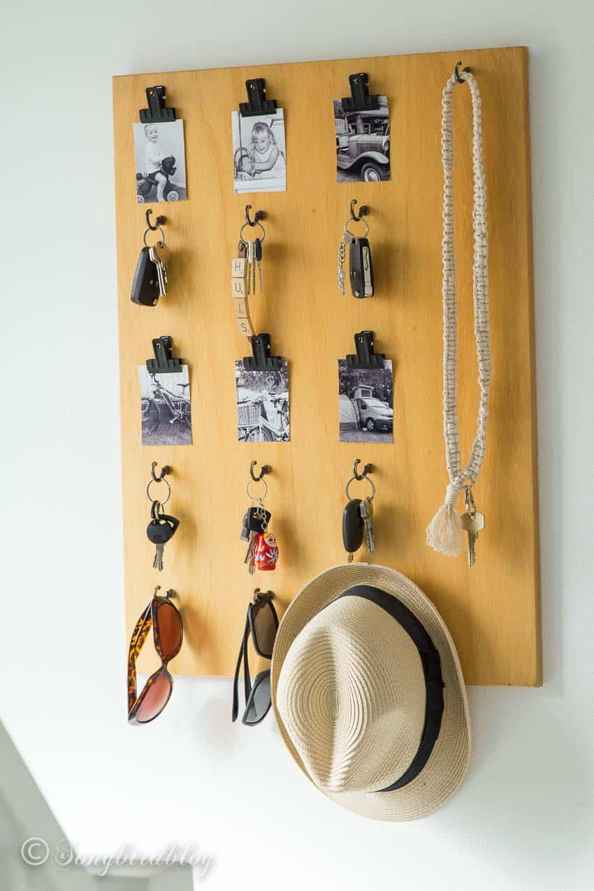 Keychain holder with pictures