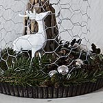 Oh deer, it's an another vignette {rustic Christmas decoration}