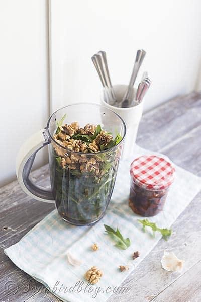 easy rucola walnut pesto recipe via Songbirdblog