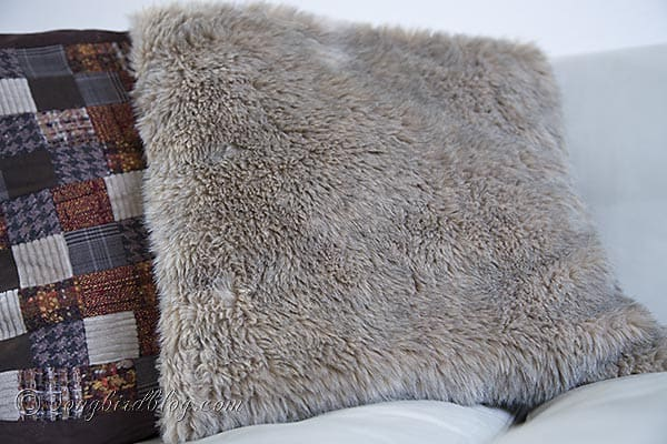 faux fur pillows via Songbirdblog 4