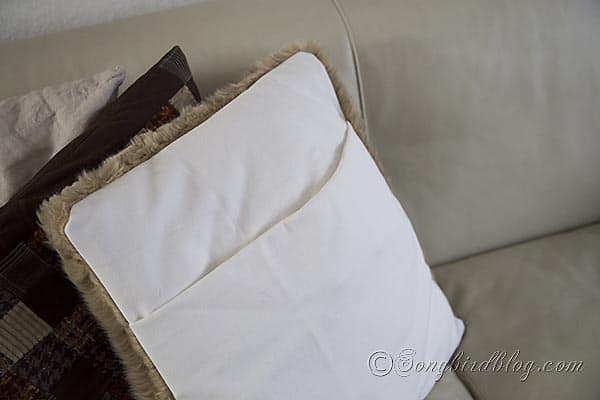 faux fur pillows via Songbirdblog 6