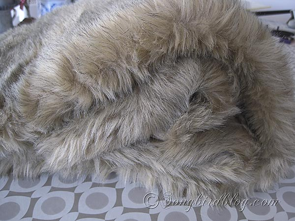 faux fur pillows via Songbirdblog 7
